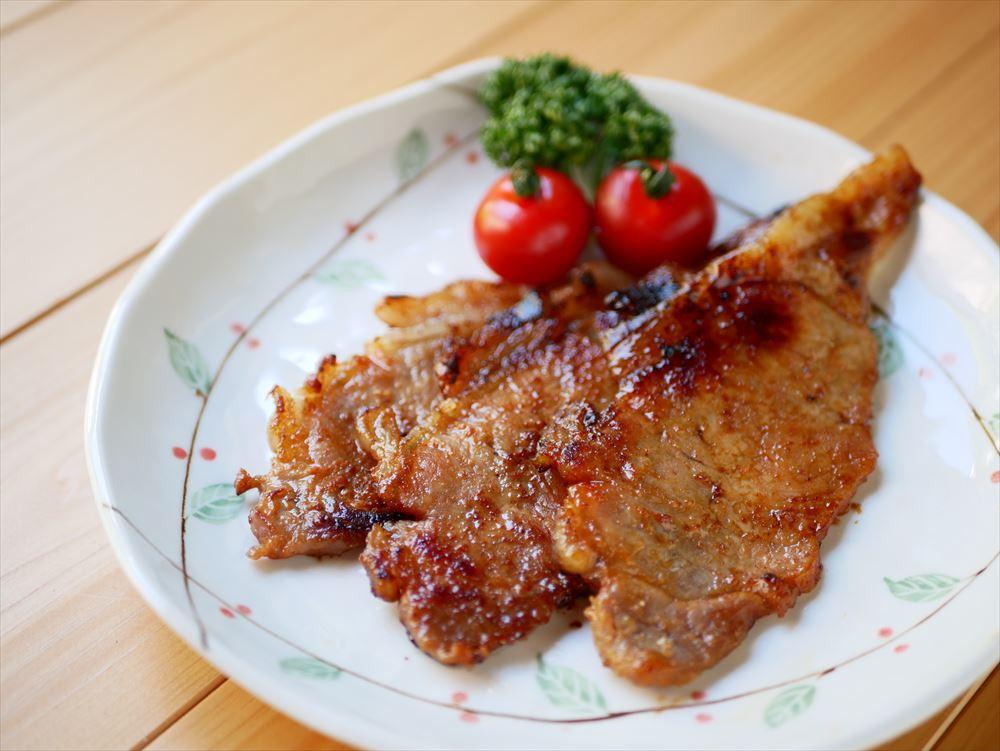 奈良漬の酒粕は再利用できる!おいしい料理レシピのご紹介|豚肉の酒粕一夜漬け焼き